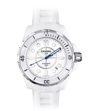 Chanel J12 White H2560