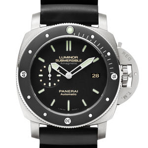 Officine Panerai Luminor PAM00389