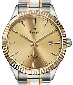 m12713-0001 Tudor Style