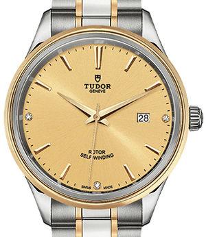 m12703-0004 Tudor Style