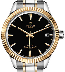 m12313-0005 Tudor Style