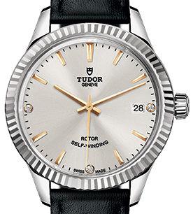 m12310-0026 Tudor Style