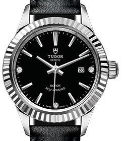 m12110-0025 Tudor Style