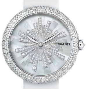 H4530 Chanel Mademoiselle Prive