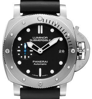Officine Panerai Submersible PAM00682